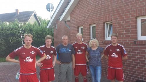 Von links: Julian, Jannik, Alfons, David, Beatrix und Gerrit
